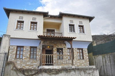 (For Sale) Residential Maisonette || Larissa/Ampelakia - 119 Sq.m, 5 Bedrooms, 150.000€